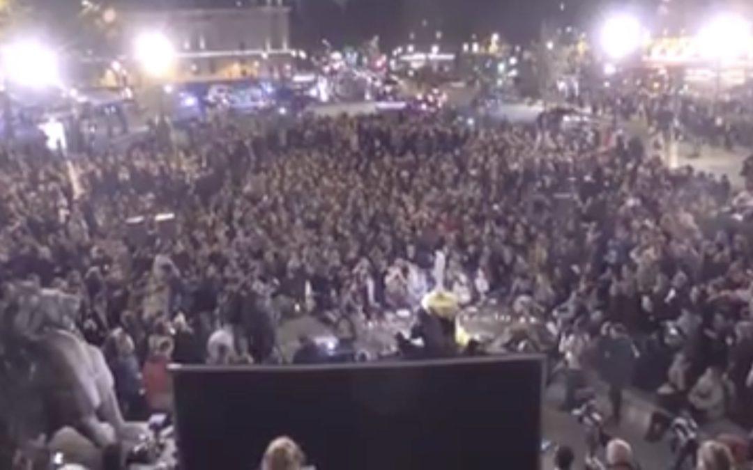 Des milliers de jeunes autour de Notre Dame de France